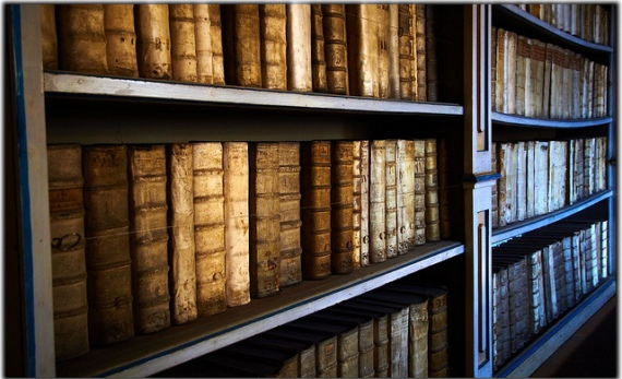 570_Old Books
