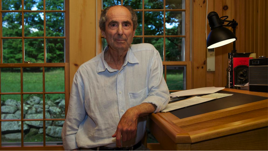Philip Roth at his lectern. Credit: Nancy Crampton